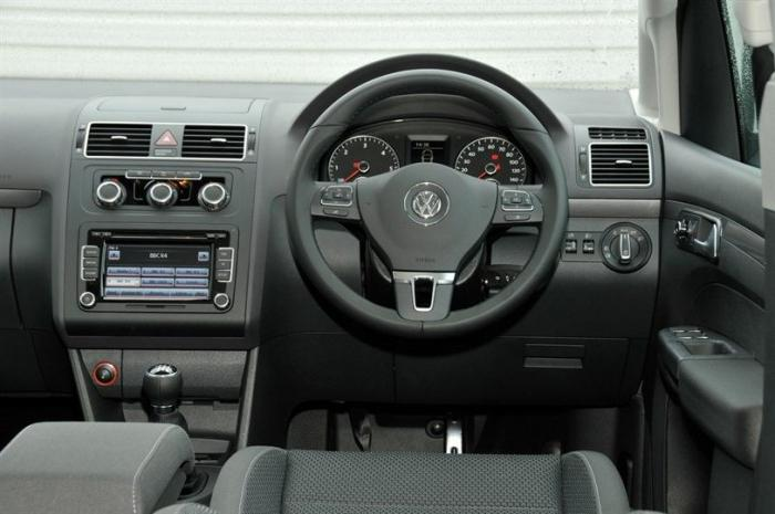Volkswagen Touran reviews