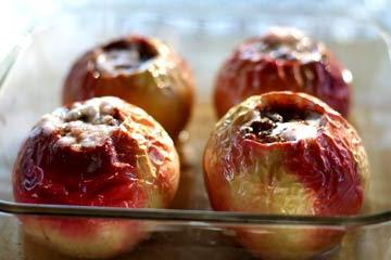 Bake apples in the oven