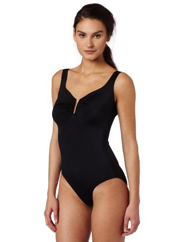 How to choose a swimsuit by the type of figure: advice of professionals